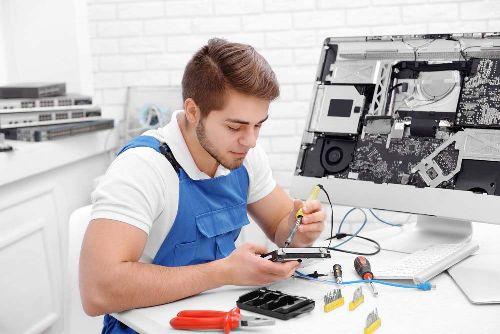 Компьютерный мастер в Пскове
