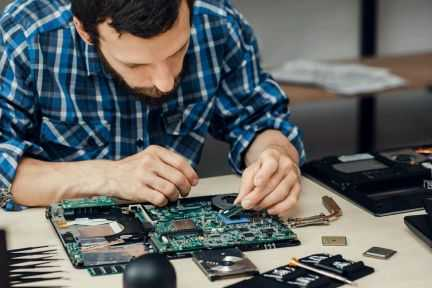 Ремонт компьютеров, телефонов, ноутбуков