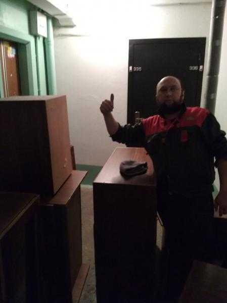 Вывезем старую мебель шкафы диван вещи