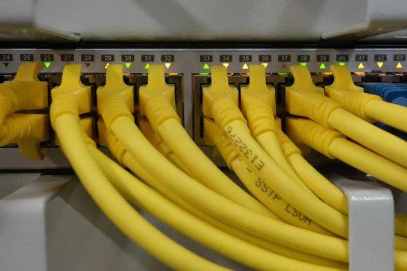 Прокладка сетей, монтаж и настройка сетевого оборудования