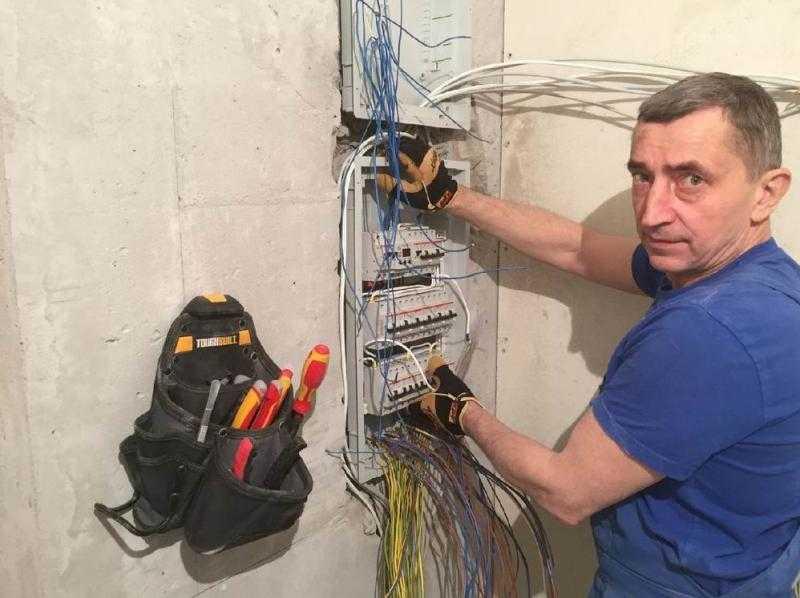 Электрик в Ноябрьске